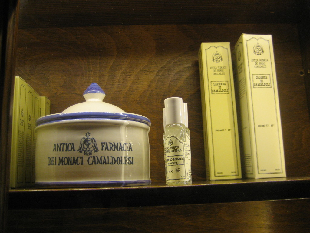 Antica Farmacia Dei Monaci Camaldolesi.Camaldolesi Romani Monaci Camaldolesi